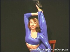 Flexible Elza in spandex (movie) Thumb