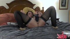 Horny Milf masturbating Thumb