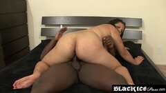 Seductive BBW Lady Spyce plays off before pounding Thumb