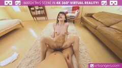 Sexy Teen babe is getting her pussy open Thumb